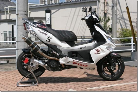 G-MAX220 200 マフラー (2)