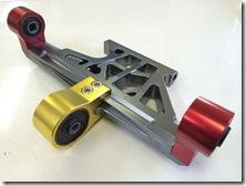TIGRA エンジンハンガー 強化 (1)